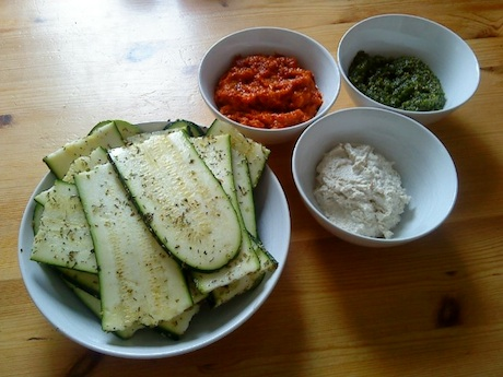 ingredienser rawfood lasagne med pesto, tomatsås och ricotta recipe recept