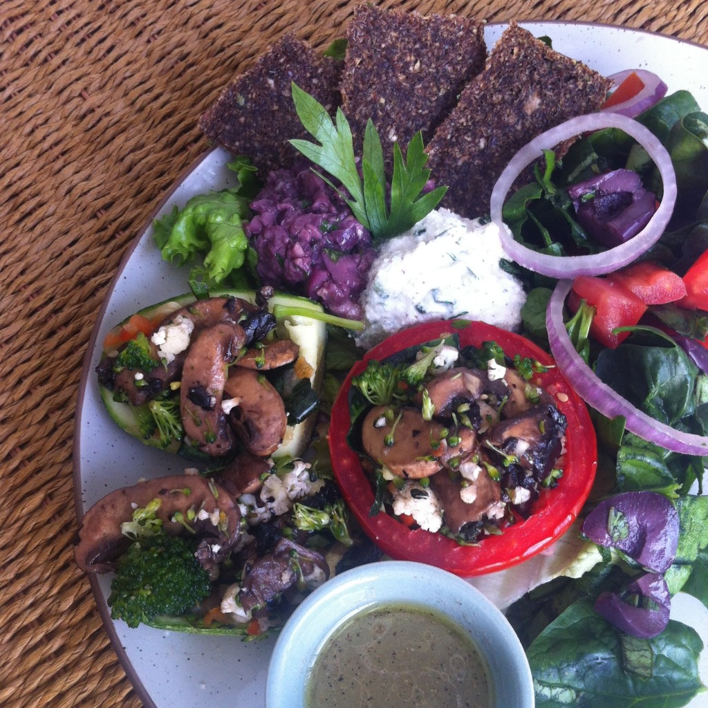 raw food grekisk lunch